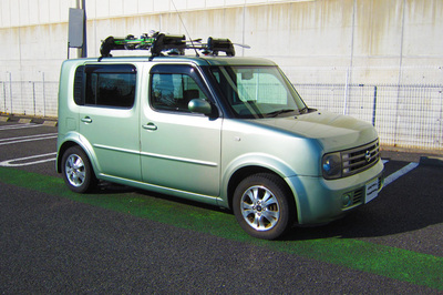 Nissan Cube outside view
