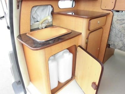 Nissan Caravan Bross campervan water tanks
