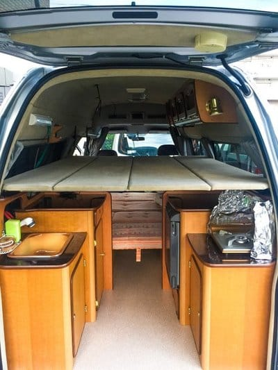 Nissan Caravan Bross campervan upper bed