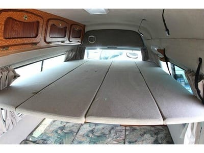 Nissan Caravan Bross campervan top berth