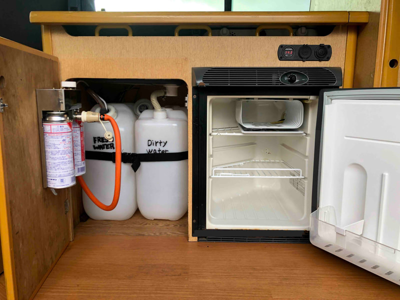 Nissan Craft Camper - water tanks / fridge
