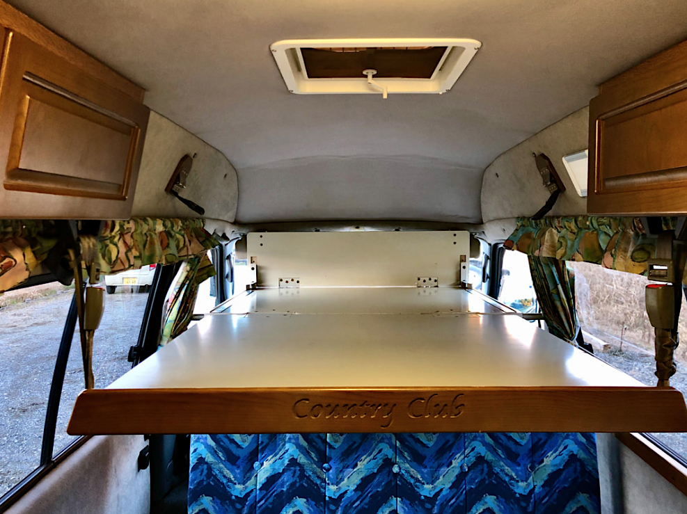 Toyota Country Club Camper top bed position